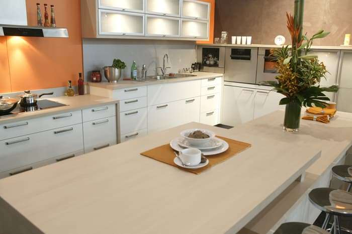 Contemporary kitchen design by Kevin Sorby